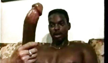 fagots شرجی سکس مقعد را روی تخت خواب فیلم س زوری ترتیب می دادند