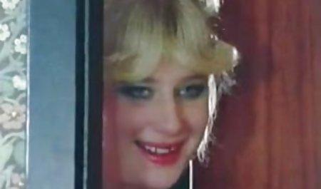 ورا کینگ دوست دختر را دانلود رایگان فیلم س لیس می زند.