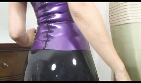 رئیس سکسس س زیردستان را با جنسیت لزبین مجازات می کند.