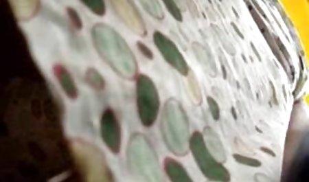 لزبین های 18 ساله تارهای لیس می زنند و با دانلود فیلم س ویبراتور قدرتمند خودارضایی می کنند