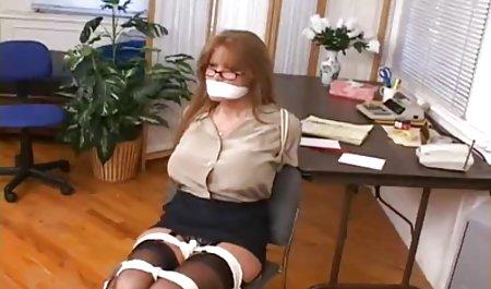 کریسی با یک دانلود فیلم س و پ ر مردمک سیاه به شوهر خود تقلب می کند.
