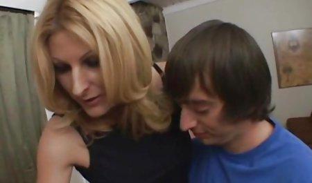 بوسه های پرشور دانش آموزان همجنسگرا کلیپ س ک ۳۰ در عکس 69 به یک از blowjob تبدیل شد