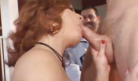 مرد داغ دوست دختر سکسی دانلود فیلم س خارجی اش را از طریق جوراب شلواری فریب داد