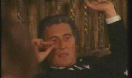 Fag فعال از قلب یک مرد تماشای فیلم س را در یک سوراخ مقعد می اندازد