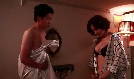 این مرد در خانه فیلم س سوسانو دختر خود را با جوراب نایلونی کاملاً لعنتی
