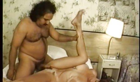 مرد طاس در جوراب و جوراب دامن دانلود فیلم س ک نوزاد بی نظیر را خسته می کند